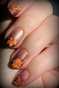 Fall nails, leaves nail art, nail art, Thanksgiving nail art